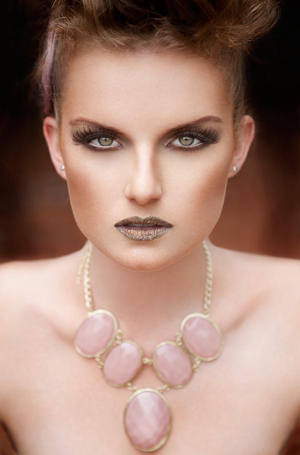beauty-make-up-black-sparkling-lipstick