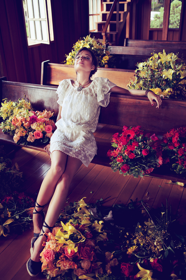 Victoria Mazzeo Flowers are coming editorial (10)