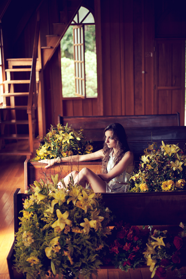 Victoria Mazzeo Flowers are coming editorial (18)