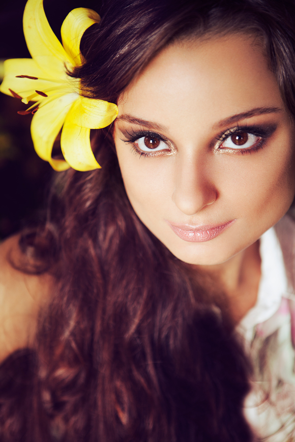 Victoria Mazzeo Flowers are coming editorial (8)