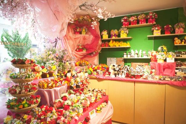 5th-avenue-teuscher-chocolate-shop