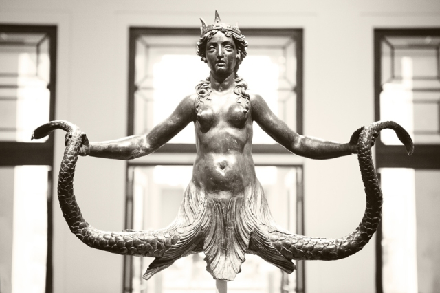 Met-Museum-04-Siren-crowned-and-holding-her-two-tails-heraldic-device-of-the-Colonna-family