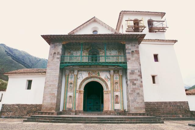 Andahuaylillas-Barroque-Church-01