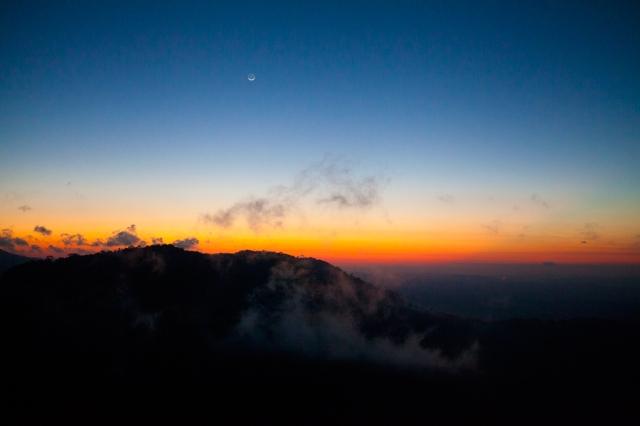 Sunrise-at-pico-Agudo-02