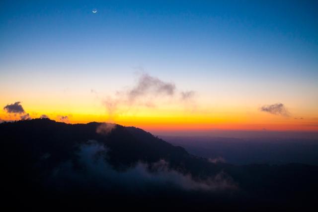 Sunrise-at-pico-Agudo-04