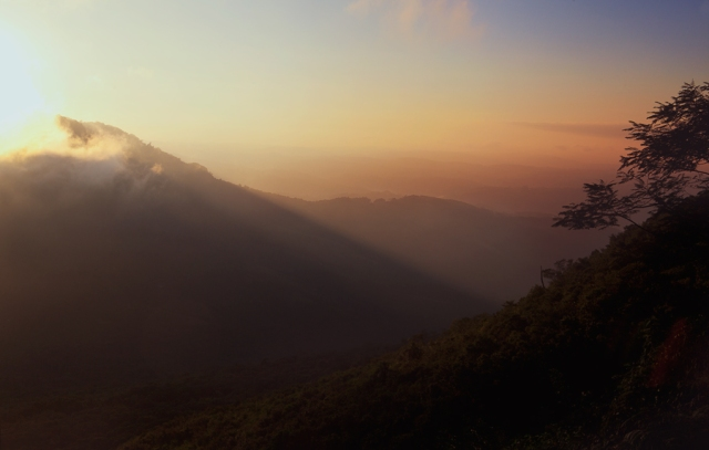 Sunrise-at-pico-Agudo-08