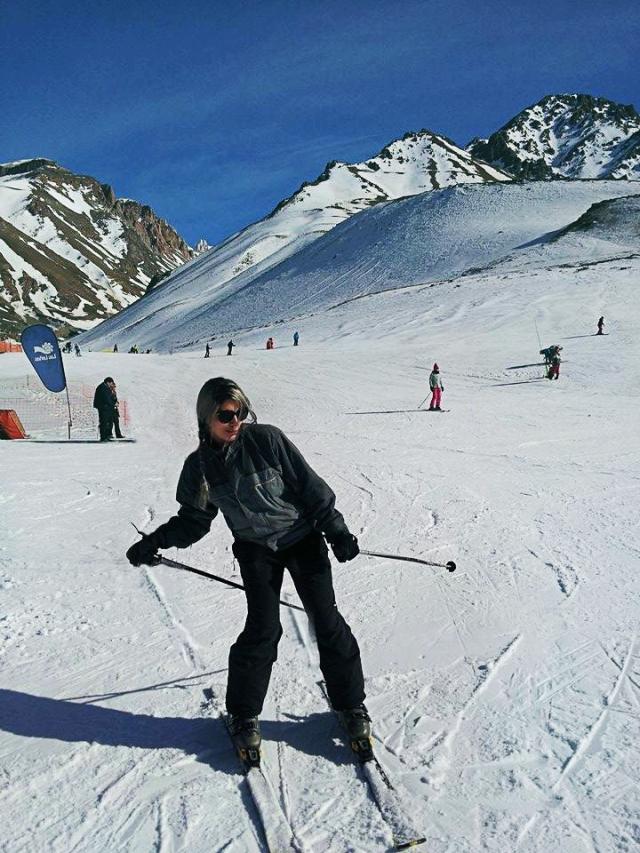 anna esquiando em las leñas