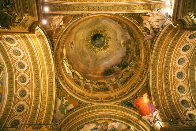 Argentina-Cordoba-cathedral-ceiling-03