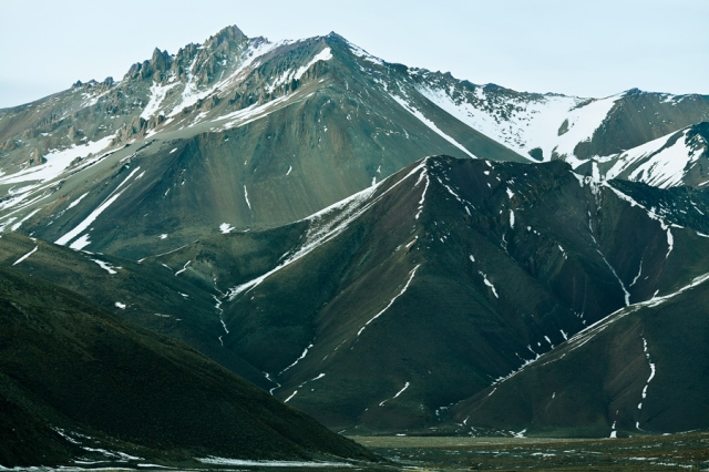 Snowy-Andes-Mountains-01