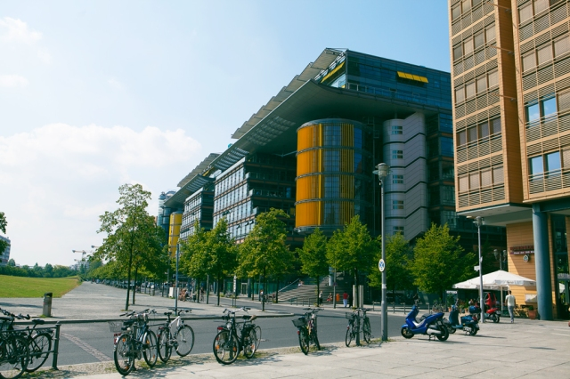 Berlin-Alexander-Platz-02