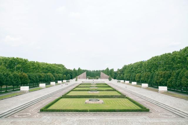 Berlin-Germany-11-russisches-denkmal-memorial-de-guerra-soviético