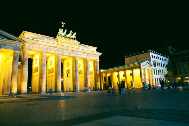 Brandenburg-Gate-03