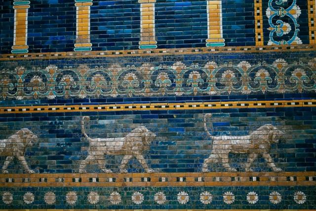 Pergamon-Museum-Ishtar-Gate-02
